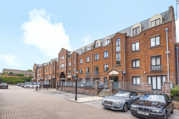 Flat 32, Greys Court, Sidmouth Street, Reading, Berkshire, RG1