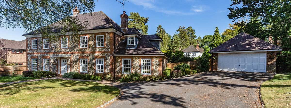 A five bedroom home in Crowthorne